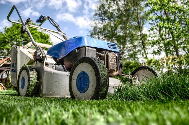 Starostlivosť o trávnik a záhradu – tipy na rok 2017
