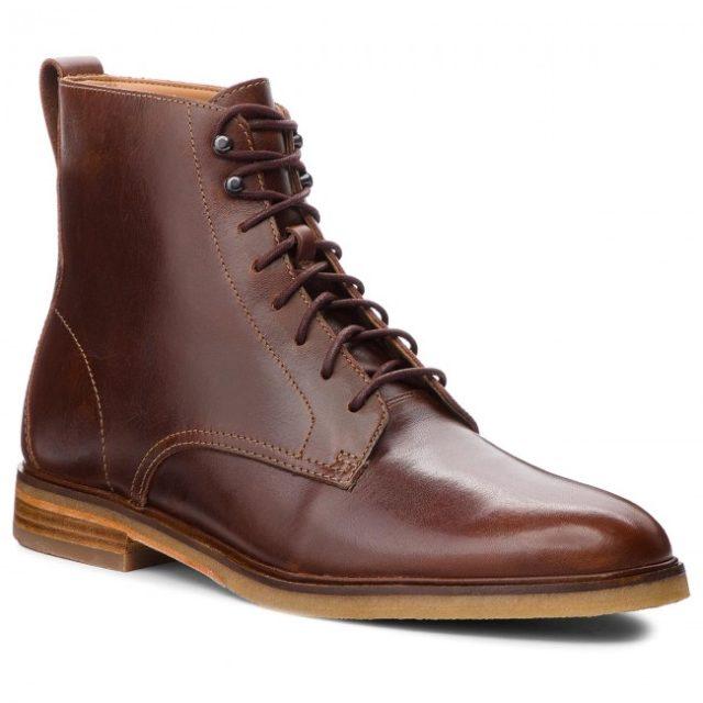 Topánky Clarks: od odrezkov kože po medzinárodnú značku