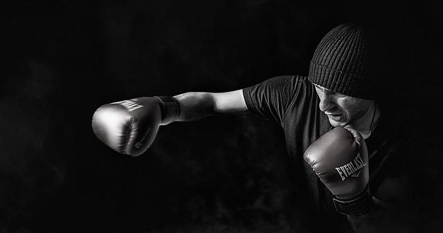 Chcete rýchlo nabrať objem? Chráňte svoje svaly pred syndrómom pretrénovania!