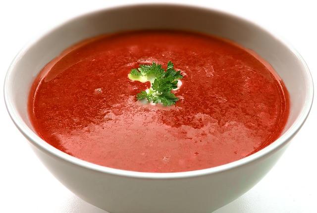 Paradajková polievka, ale nie taká ako zo školskej jedálne