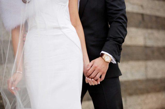 Ako zladiť ženícha s nevestou? Nezabudnite na hodinky!