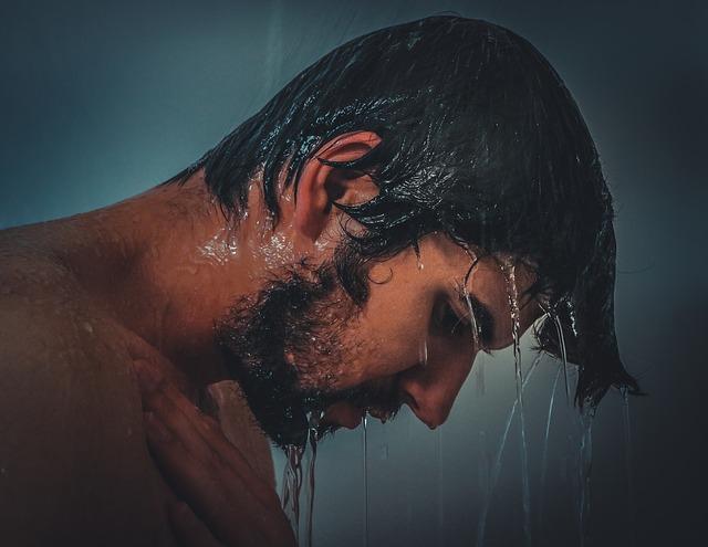 Výhody studenej sprchy, ktoré vás presvedčia