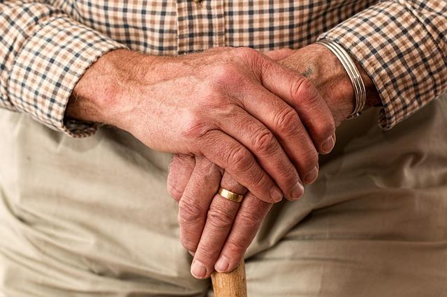 Základná starostlivosť o seniorov letnom období