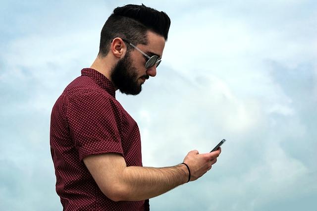 Kvôli zdraviu a psychickej efektivite by mal byť svetový deň bez mobilov aj dnes!