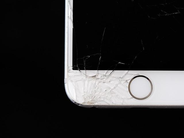 Rozbitý displej na mobile nikoho neohúri. Skúste to s náhradnými dielmi na mobily